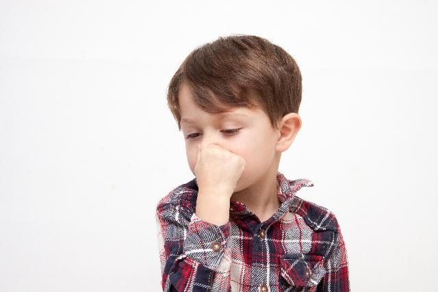 鼻呼吸の男の子