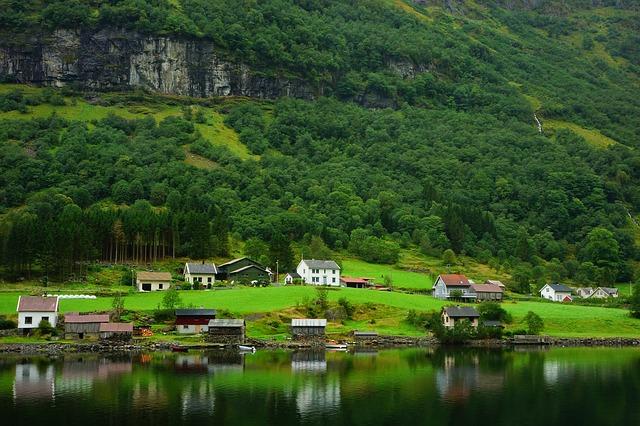 北欧の人々には、森林と共生する。自然を大切にいつくしむ習慣があります。
