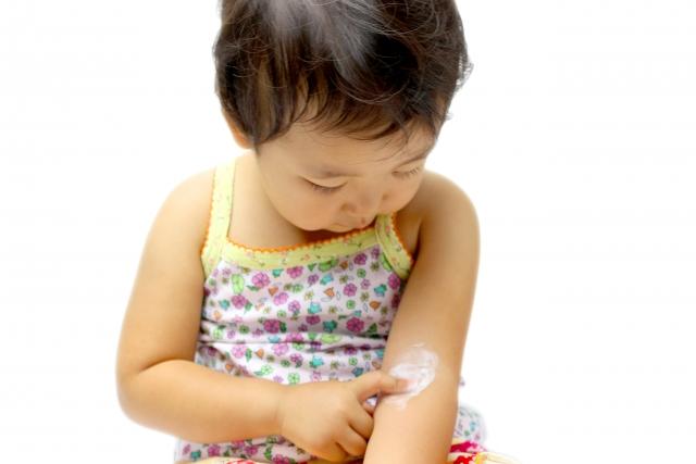 アレルギーを持つ赤ちゃんは皮膚をとても痒がります。