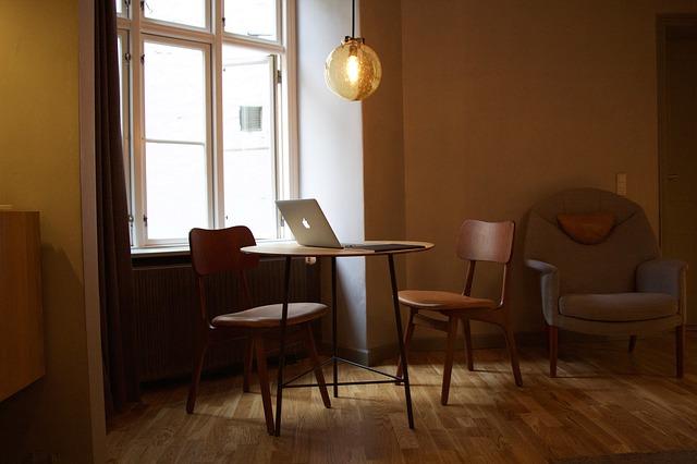 イラーリをはじめ、北欧家具はシンプルで機能的なものがたくさんあります。